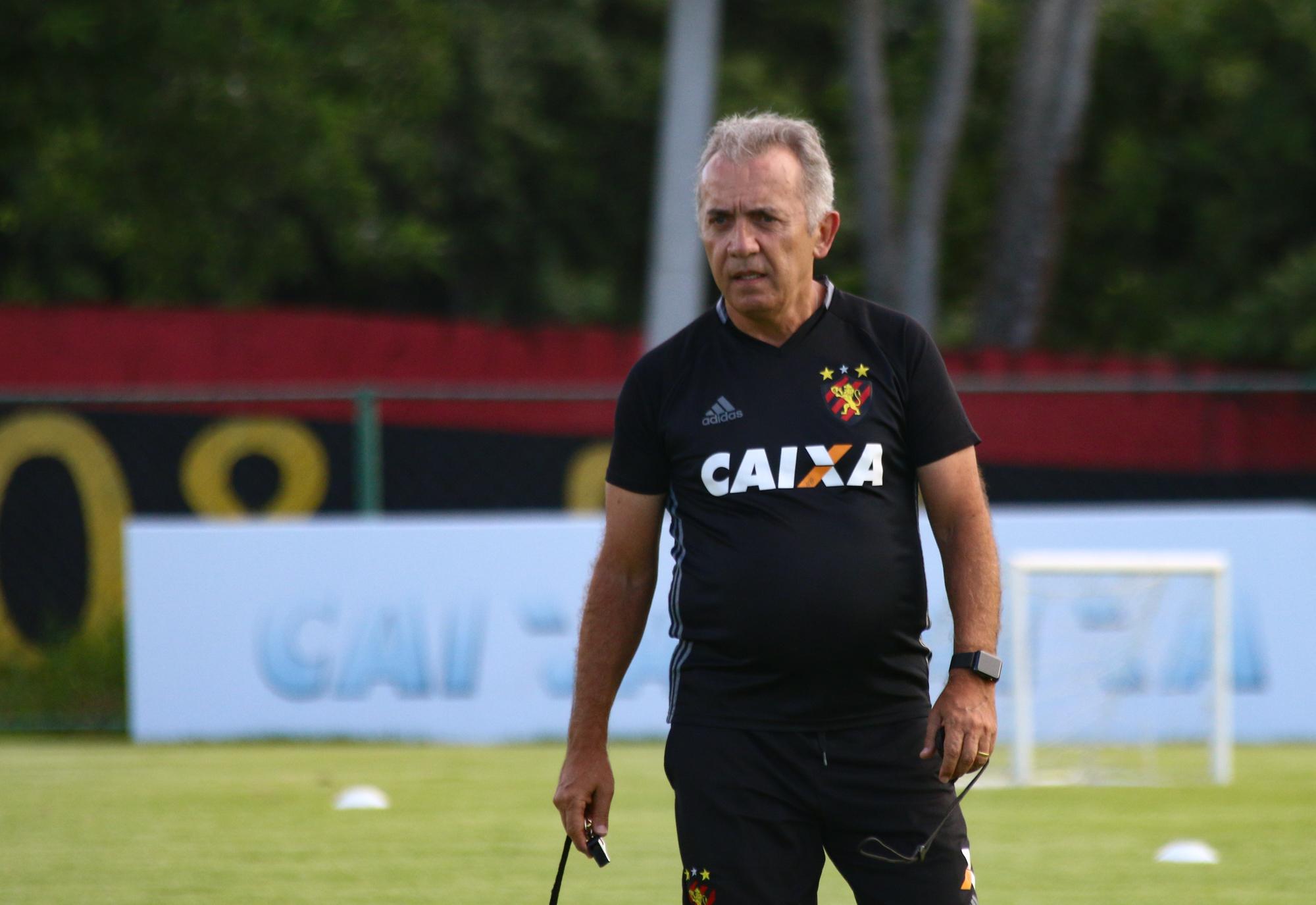 """""""Temos condições de fazer um jogo muito bom"""", diz Nelsinho"""