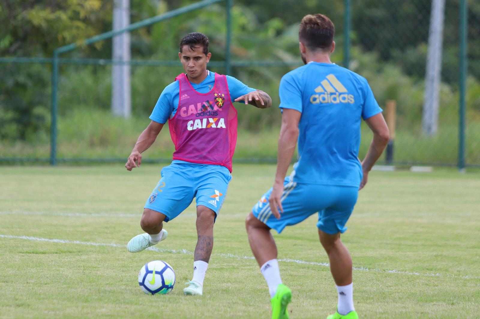 Everton Felipe encara partida contra o Paraná como uma final