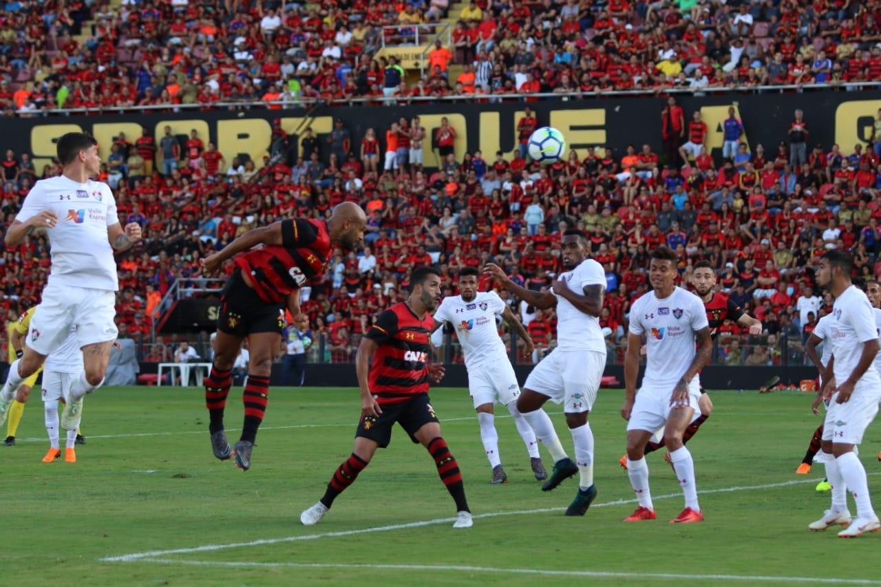 Estreando novo uniforme, Sport perde para o Fluminense