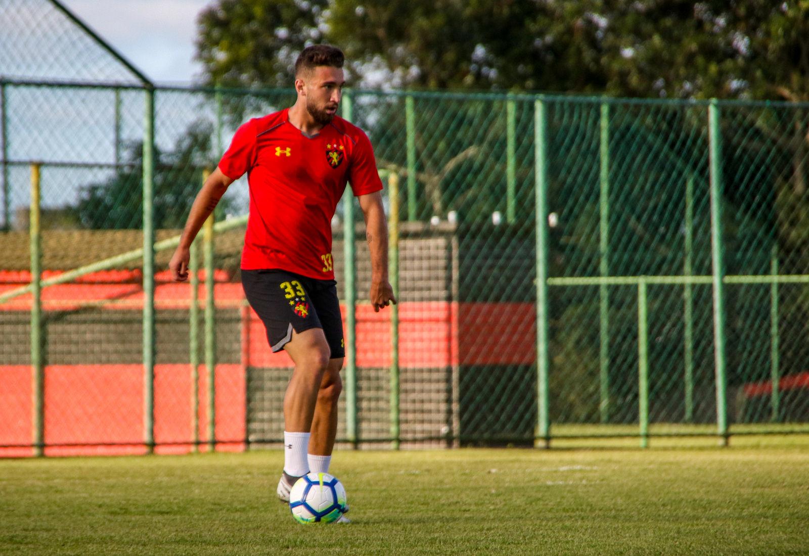 Léo Ortiz promete empenho redobrado para ajudar o Sport
